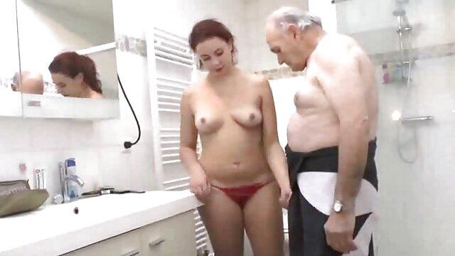 قد كس سكسى بلند زن سفید Rayveness fucks در با یک سیاه