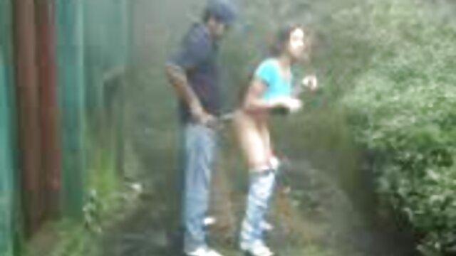 لاغر 20 ساله ساناز دپو در عکس سکسی کیر و کوس ریخته گری پورنو