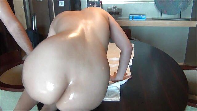 سکس كون وكوس اندر من در یک آشپزخانه کثیف